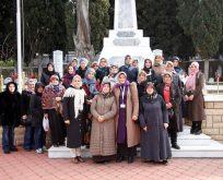 Şehitlikte Mehmetçik için dua