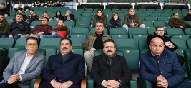 Vali Aksoy 'Gebzespor- Şile Yıldızspor' Maçını İzledi