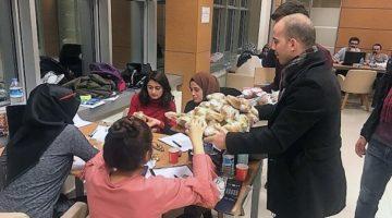 GTÜ Öğrenci Konseyinden Finallere Hazırlanan Öğrencilere İkram