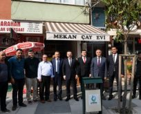 Vali Aksoy Çayırova'da vatandaşlarla