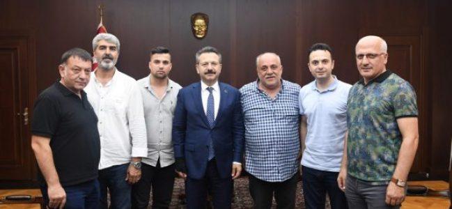 Gebzespor Klüp Yönetimi Vali Aksoy'u Ziyaret Etti.