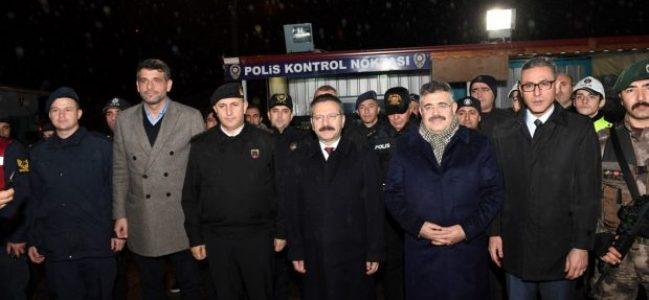 Polis Uygulama Noktasına Yılbaşı Ziyareti