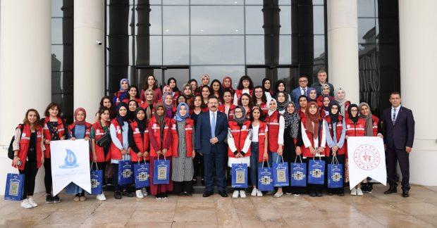 'Damla Projesi'Gençleri Vali Aksoy'u Ziyaret Etti
