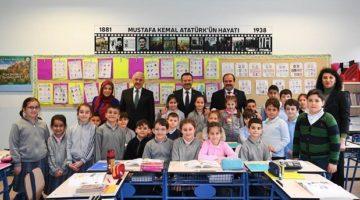 Vali Aksoy, Türkan Dereli İlkokulu ve Muammer Dereli Fen Lisesini ziyaret etti.