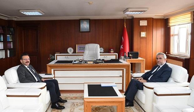 Vali Aksoy,Müftü Doğan'ı ziyaret etti