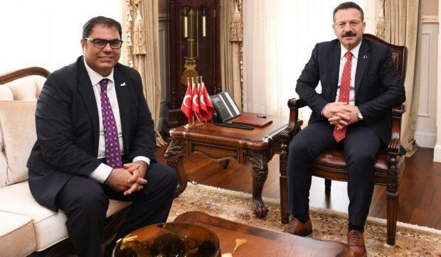 Prof.Dr Aslan'dan Vali Aksoy'a Ziyaret