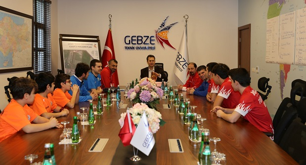 GTÜ, Türkiye Masa Tenisi Milli Takımı'nı kampüste ağırladı.