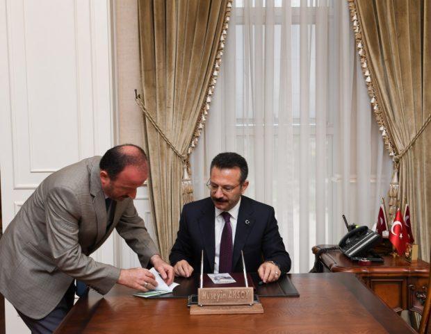 """Aksoy'dan """"kurbanını paylaş kardeşinle yakınlaş"""" kampanyasına bağış"""