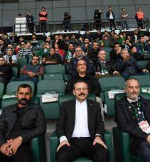 Vali Aksoy Kocaelispor Maçını İzledi