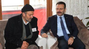 Vali Aksoy Şehit Ağçay'ın baba ocağını ziyaret ederek, taziyede bulundu.