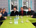 Vali Hüseyin Aksoy her fırsatta vatandaşlarla bir araya geliyor.