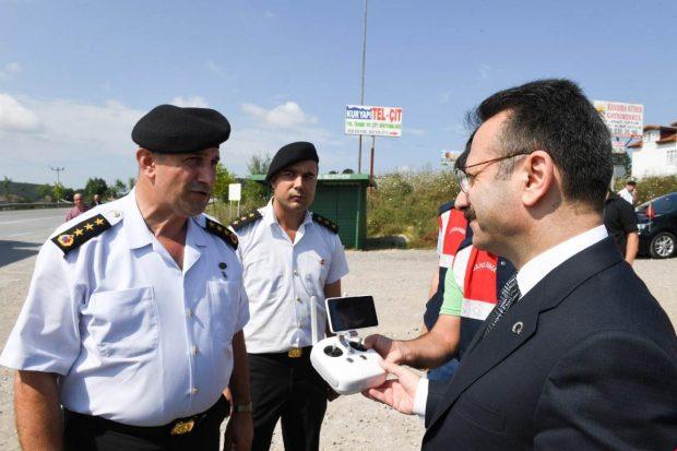 Vali, Jandarma Kontrol Noktasında İncelemede