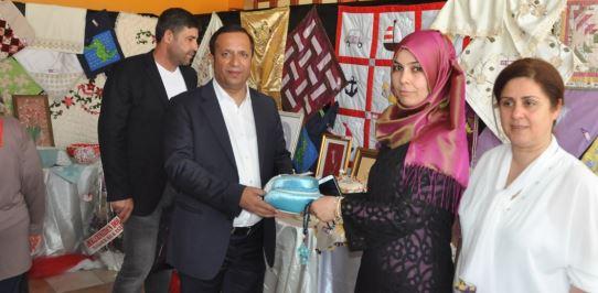 Dilovası'nda Halk Eğitim Sergisi Açıldı