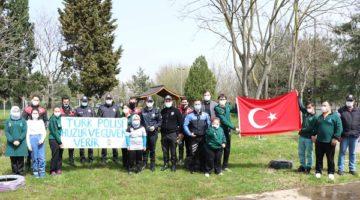 'Polis abileri ve ablaları için özel kutlama'