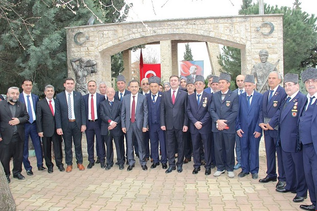 Çayırova'da 18 Mart Şehitleri Anma Günü Çoşkusu