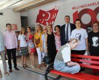 İYİ Parti Cumhuriyet Tırını ziyaret etti