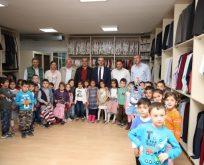 Çocuk Kulüpleri'nde eğitim gören çocuklardan bağış