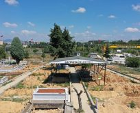Şehir mezarlığına seyyar defin çadırı