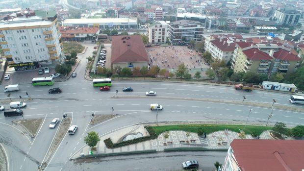 Gebze İstanbul Caddesi'ne yaya köprüsü