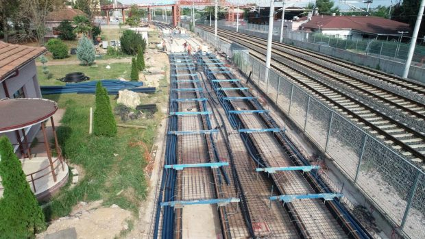 Sekapark-Plaj Yolu Tramvay Hattı'nda raylar döşeniyor