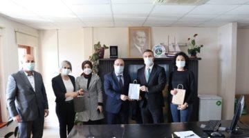 Acay sağlık çalışanlarının gününü tebrik etti