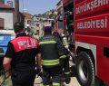 Çayırova'da yanan evde mahsur kardeşler kurtarıldı