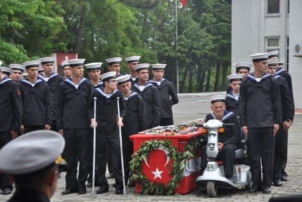 Donanma Komutanlığında 17 engelli askerlik yaptı