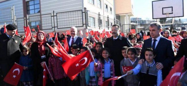 Vali Aksoy,Körfez Yukarı Hereke İlkokulunda