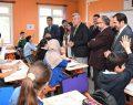 Karaosmanoğlu ve Üzülmez'den okul ziyareti.