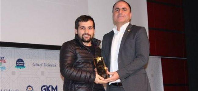 Dursun'a Yılın Basın Emekçisi Ödülü