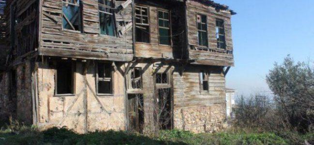 Yahya Kaptanın Dilovasın'da şehit edildiği ev yıkılıyor