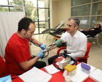 Kan bağışında bulunarak destek oldu!