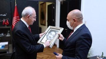 Tarhan'dan Kılıçdaroğlu'a anlamlı hediye