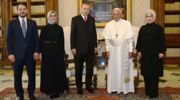 Cumhurbaşkanı Erdoğan, Vatikan'da Papa Franciscus görüştü.