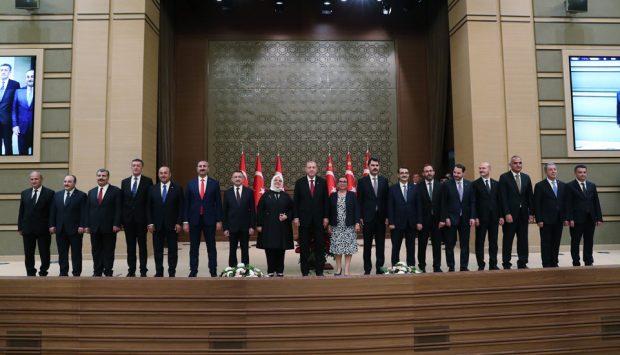 Cumhurbaşkanı Erdoğan kabinesini açıkladı