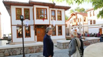 Tarihi yalı evleri bölgeye renk kattı