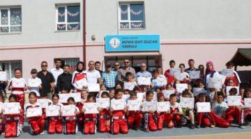 Kick-Boks Renkli Kuşak Diplomalarını Başkan'dan Aldılar