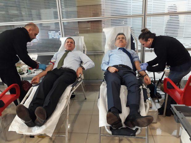 Kaymakam Gözen'den Kan Bağışı