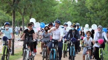 Dereceye girecek gençlere bisiklet