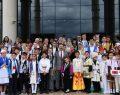 Vali Aksoy,Dünya Çocuklarını Ağırladı