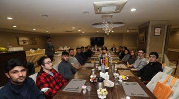 GTÜ'lü üniversite öğrencileriyle bir araya geldi