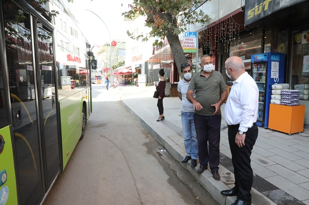 Aşıroğlu Caddesi'nde esnaf turu