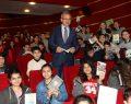 Köşker'den Öğrencilere 20 Bin Hediye Kitap