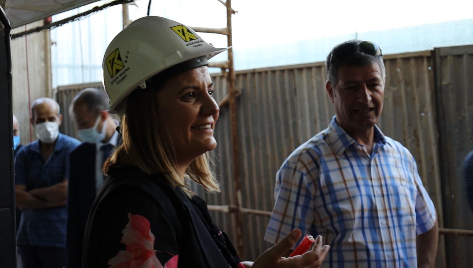 """""""Depremin sembolü olan binayı 22 yıl sonra yıkıyoruz"""""""