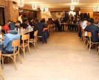 Belediyespor yönetim ve futbolcularını yemekte ağırladı