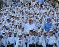600 çocuk erkekliğe ilk adımını attı