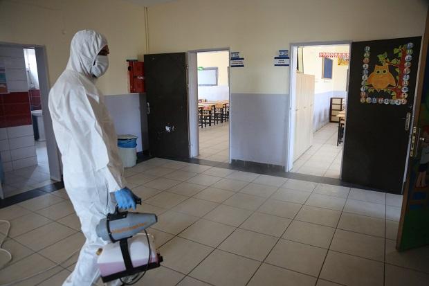 Bütün okullarda dezenfekte çalışması