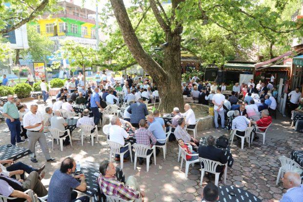 Darıca Çınaraltı Meydanı'nda Bayramlaştı