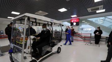 KOÜ'ye 2 elektrikli ambulans