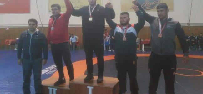 Gölcük Belediyespor Kulübü Güreşçilerinden Büyük Başarı